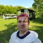 Пчеловод Канунников Александр на пасеке